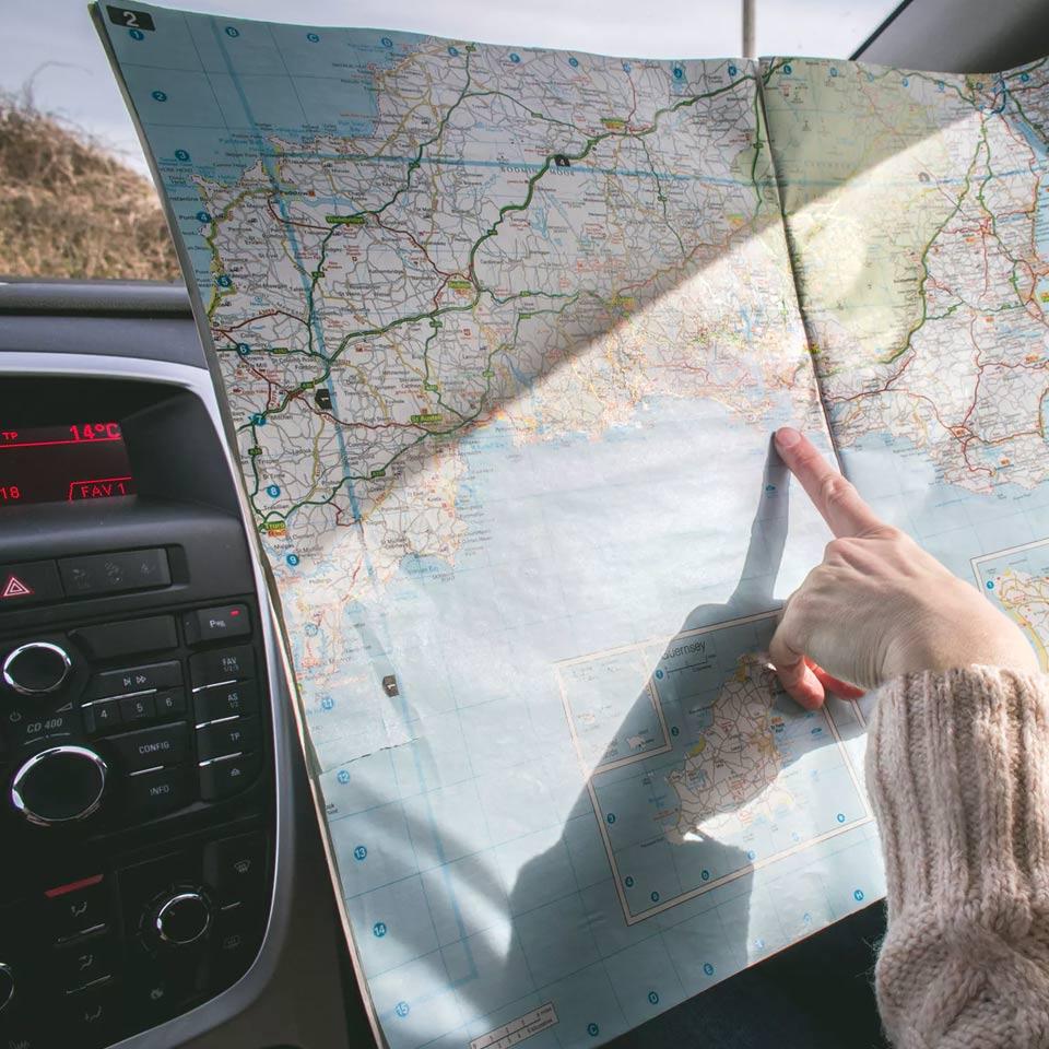 Jak wyposażyć samochód na wyjazd zagraniczny?