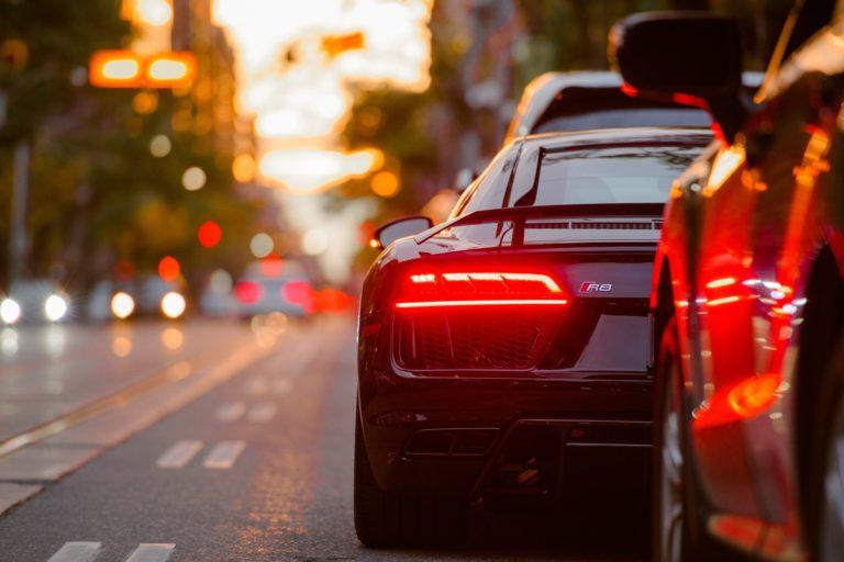 Dlaczego warto sprowadzać samochody z USA?